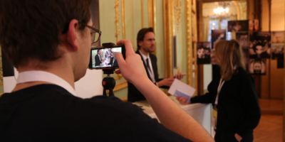 Audiovisuel : le smartphone trouve sa place dans les rédactions